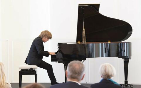 Pianist bei der Preisverleihung in der Staatskanzlei