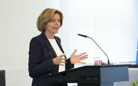 Malu Dreyer spricht bei der Preisverleihung Ideenwettbewerb Ehrenamt 4.0